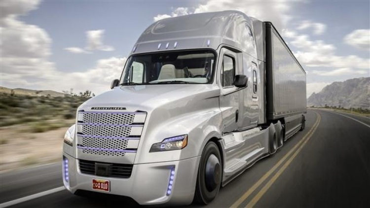 Tesla Semi Truck Due To Arrive In September Truckbusnews Com